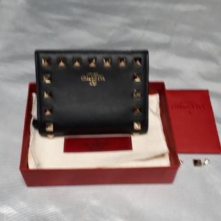 VALENTINO - ヴァレンチノのスタッズ コンパクト財布