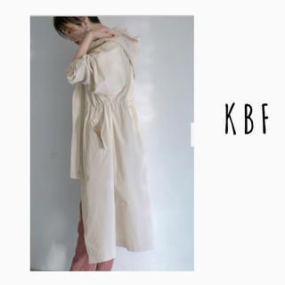 KBF - KBFケービーエフ ステッチフーディーコート