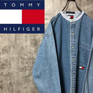 TOMMY HILFIGER - 【激レア】トミージーンズ☆フラッグ刺繍ロゴストライプ切替ノーカラーデニムシャツ