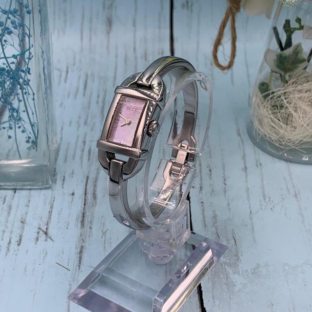 エルメス 時計 激安 スーパー コピー 、 Gucci - Gucci YA068581 ピンクパール レディース バングル ウォッチの通販