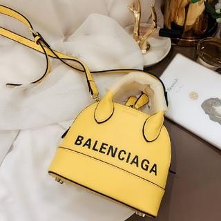 Balenciaga - 最新の斜めショルダーバッグ
