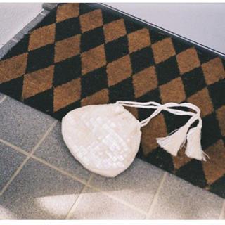 ロキエ(Lochie)の限定caselini インディアンシェル白 ショルダー 結婚式 パーティーバック(ポーチ)