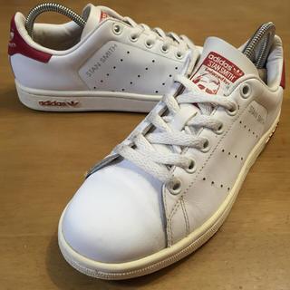 adidas(アディダス)の23アディダススタンスミス白×赤03年製 レディース