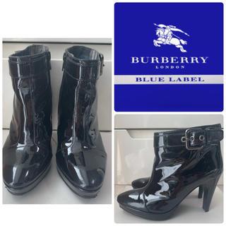 BURBERRY BLUE LABEL - バーバリーブルーレーベル  ブラックエナメル ブーティ