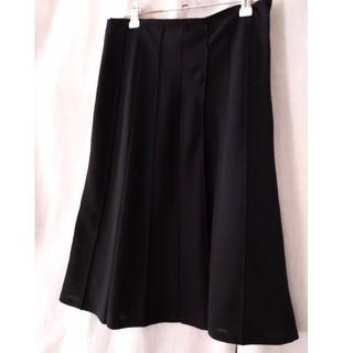 アンタイトル(UNTITLED)の黒フレアースカート(ひざ丈スカート)