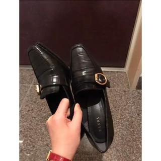 ランダ(RANDA)のゴールドバックルヒールアップシューズ EH8600/M2A(ローファー/革靴)
