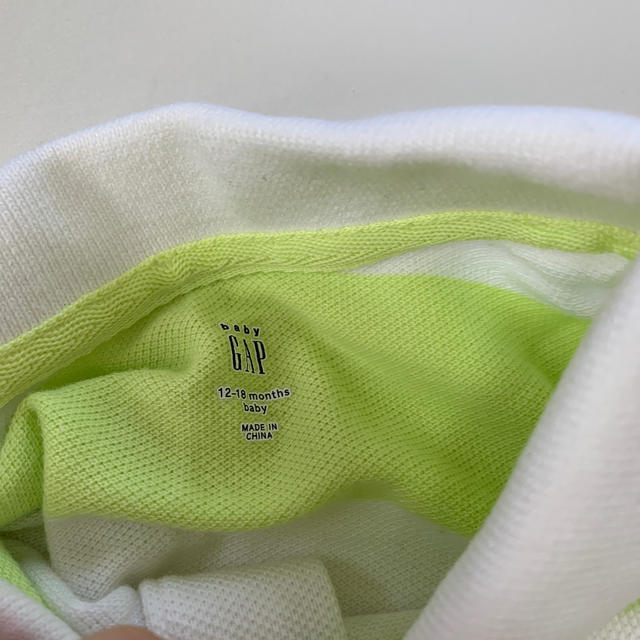 GAP(ギャップ)のロンパース ポロシャツ キッズ/ベビー/マタニティのベビー服(~85cm)(ロンパース)の商品写真