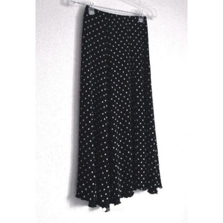 Santa Monica - ヨーロッパに購入した黒白水玉スカート ☆.。.:*・