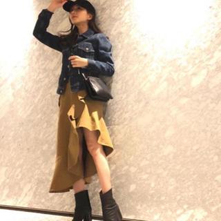 セルフポートレイト(SELF PORTRAIT)の田中みな実着用 self-portrait スカート(ひざ丈スカート)