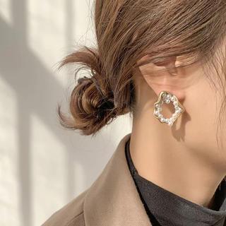 IENA - Wrap pearl matte gold pierce No.318