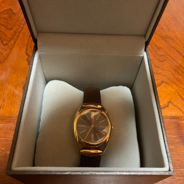 ボッテガ 時計 値段 スーパー コピー | Gucci - GUCCI 腕時計の通販