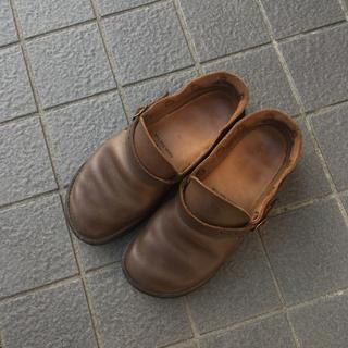 ネストローブ(nest Robe)のオーロラシューズ ミドルイングリッシュ ブラウン 6D(ローファー/革靴)