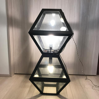 IDEE - インダストリアル テトラ型照明