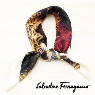 サルヴァトーレフェラガモ(Salvatore Ferragamo)の極美品 サルヴァトーレフェラガモ スカーフ 柄 89cm(バンダナ/スカーフ)