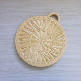 木彫りカッティングボード(キッチン小物)