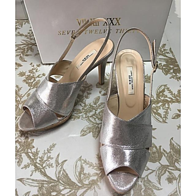 VII XII XXX(セヴントゥエルヴサーティ)のmamamaさま 専用です レディースの靴/シューズ(サンダル)の商品写真