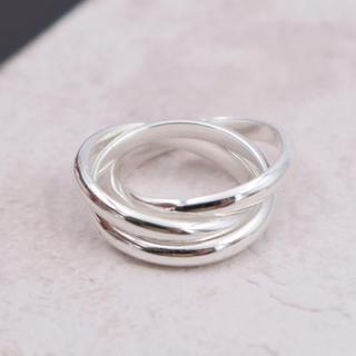 指輪 レディース リング トリニティ3連 シルバー 太め 重ね付け 人気(リング(指輪))