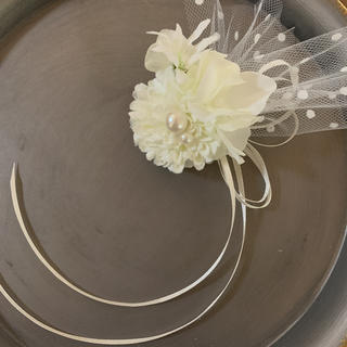 toytoy595【オールホワイト】小さなコサージュ 結婚式 卒業式 発表会(コサージュ/ブローチ)