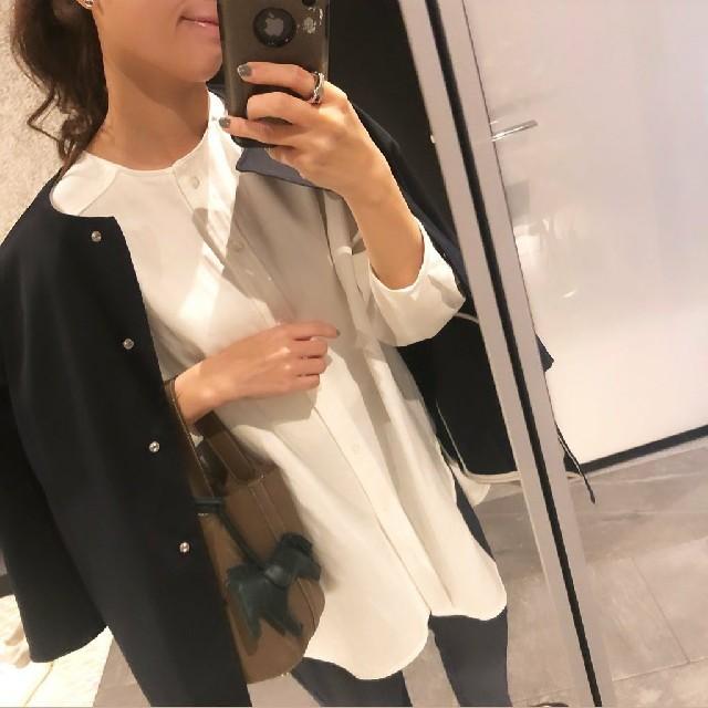 Drawer(ドゥロワー)の新品 値下げ yori 人気 ノーカラーコクーンジャケット 白 38 レディースのジャケット/アウター(ノーカラージャケット)の商品写真