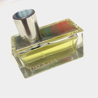 プラダ(PRADA)の【PRADA】プラダアンバーオードゥパルファン 30ml(香水(女性用))