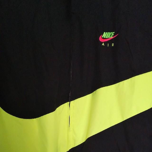 NIKE(ナイキ)のLサイズ NIKE  CITY NEON JKT メンズのジャケット/アウター(ナイロンジャケット)の商品写真