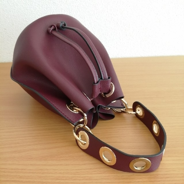 ZARA(ザラ)の【ZARA】ザラ ミニバッグ きんちゃく型  レディースのバッグ(ハンドバッグ)の商品写真