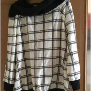 HONEYS - 白黒チェックセーター
