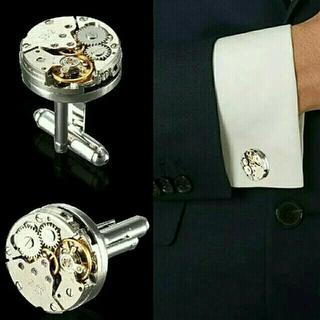 本物の時計のムーブメントのカフスボタンです。