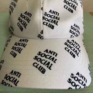 アンチ(ANTI)のanti social social club キャップ 帽子 白(キャップ)