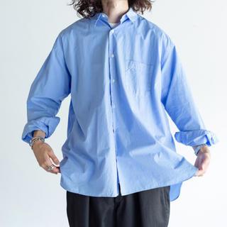 COMOLI - markaware シャツ saxe