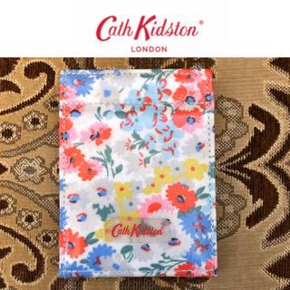 キャスキッドソン(Cath Kidston)の未使用 Cath Kidston スタンドアップコンパクトミラー デイジーベッド(ミラー)