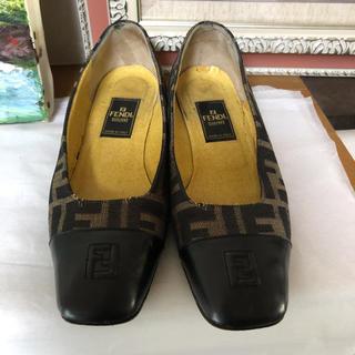 フェンディ(FENDI)のフェンディローファーメイドインイタリー(ローファー/革靴)