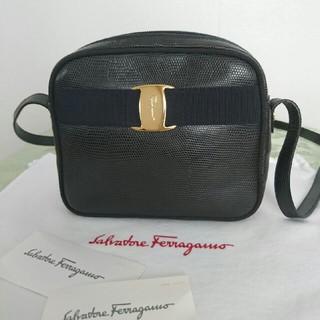 Salvatore Ferragamo - 【新品同様】フェラガモショルダーバッグ