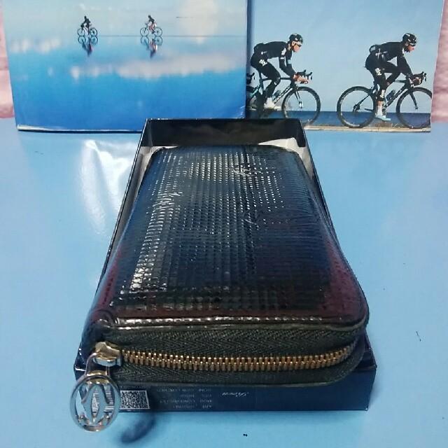 Cartier(カルティエ)のCartierラウンドジップ長財布 レディースのファッション小物(財布)の商品写真