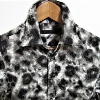 フーガ(FUGA)の未使用 FUGA フーガ レオパード豹柄 サテンシャツ 日本製☆襟ワイヤー(シャツ)
