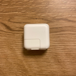 アップル(Apple)のApple純正 USBアダプター(変圧器/アダプター)