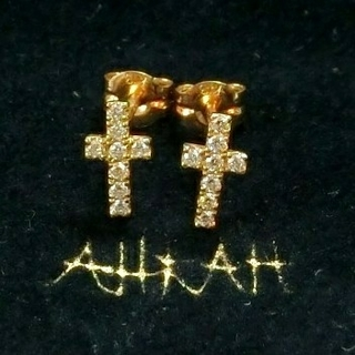 AHKAH - アーカー 0.09ctダイヤモンド付クロスモチーフのK18ピアス