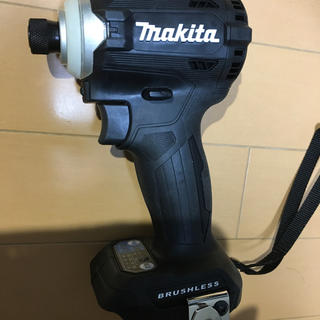 マキタ(Makita)のマキタ インパクトドライバー TD171D 黒 本体のみ(その他)