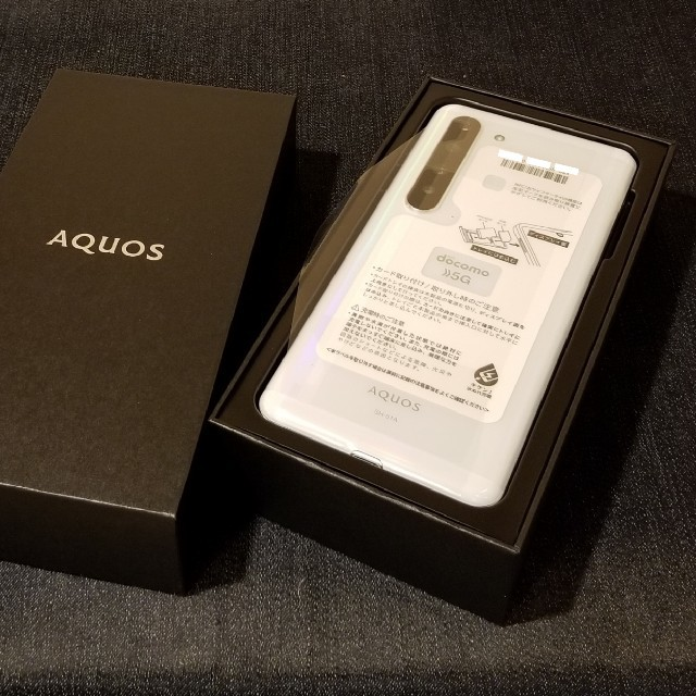 SHARP(シャープ)の【SIMフリー/新品未使用】docomo 5G AQUOS R5G SH-51A スマホ/家電/カメラのスマートフォン/携帯電話(スマートフォン本体)の商品写真