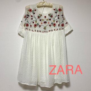 ザラ(ZARA)のホワイト花柄 チュニック インナーパンツ 半袖(チュニック)