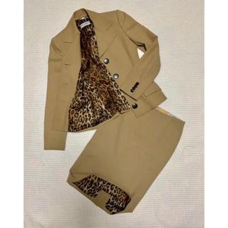 ドルチェアンドガッバーナ(DOLCE&GABBANA)のドルチェ&ガッパーナのラグジュアリーなスーツ(スーツ)