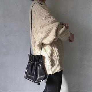 BEAUTY&YOUTH UNITED ARROWS - 新品 巾着 mite 同型 レザー調 シンプル ハンドバッグ ショルダーバッグ