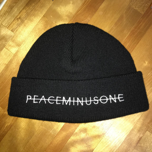 PEACEMINUSONE(ピースマイナスワン)のpeaceminusone ビーニー ニット帽 メンズの帽子(ニット帽/ビーニー)の商品写真
