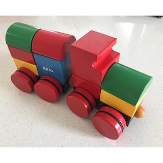 ブリオ(BRIO)のBRIO ブリオ マグネット式 スタッキングトレイン つみき 木製 電車(電車のおもちゃ/車)