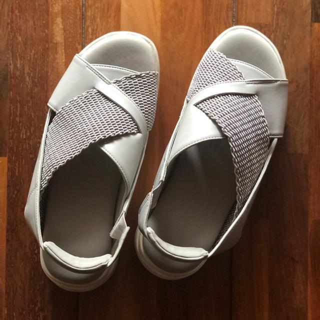 LEPSIM(レプシィム)のLEPSIMレプシィム クロス スニーカー サンダル グレー L レディースの靴/シューズ(サンダル)の商品写真