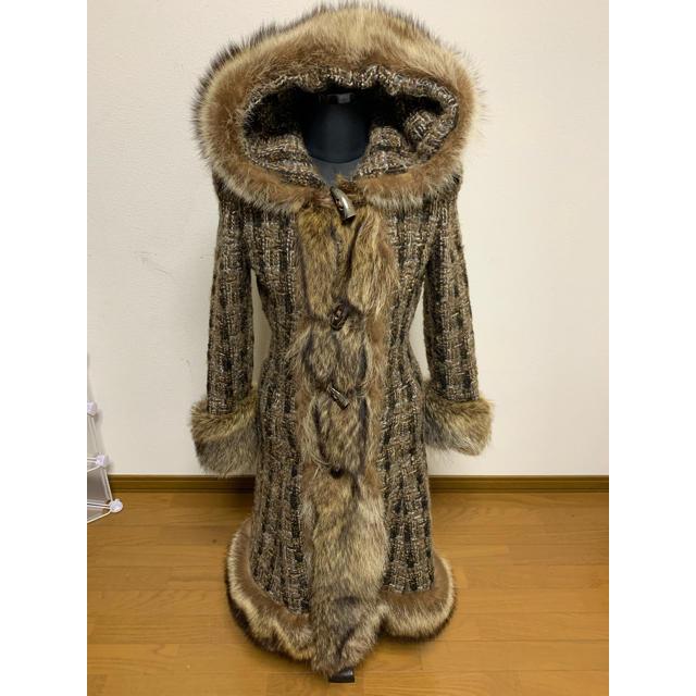 DOLCE&GABBANA(ドルチェアンドガッバーナ)の美品DOLCE&GABBANA ロングコート高級ラクーンファー M 即日発送 レディースのジャケット/アウター(ロングコート)の商品写真