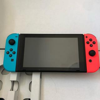 ニンテンドースイッチ(Nintendo Switch)のNintendo Switch 本体 新型 美品(家庭用ゲーム機本体)