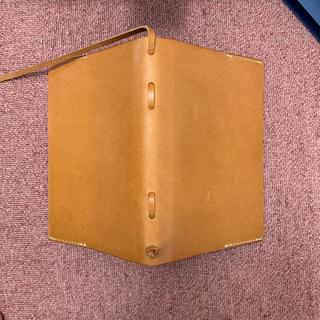 ヘルツ(HERZ)の【ルイトモ様専用】HERZ A5サイズ 革ブックカバー(ブックカバー)