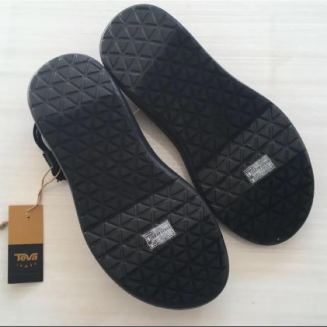 Teva(テバ)のテバ インフィニティ 22 黒 ブラック レディースの靴/シューズ(サンダル)の商品写真