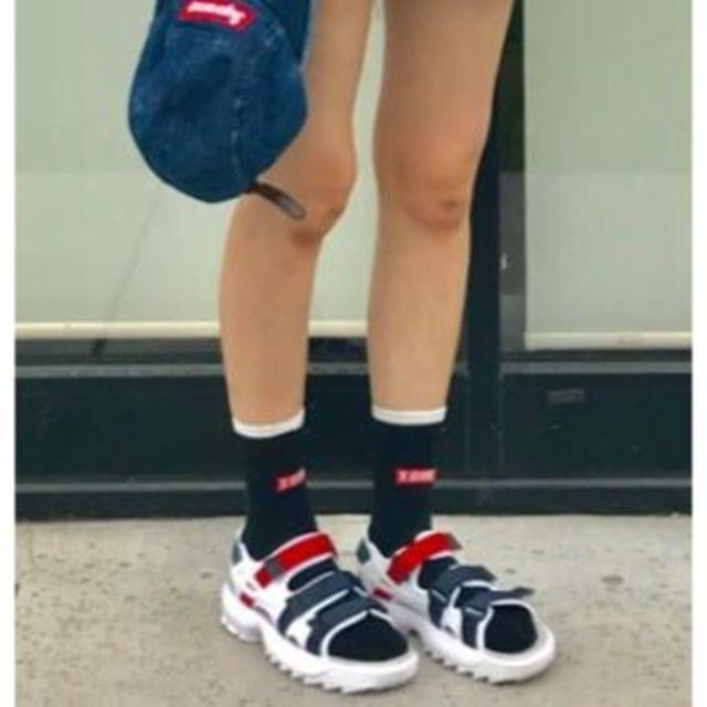 X-girl(エックスガール)の【新品未使用】 X-girl LINE & LOGO SOCKS レディースのレッグウェア(ソックス)の商品写真